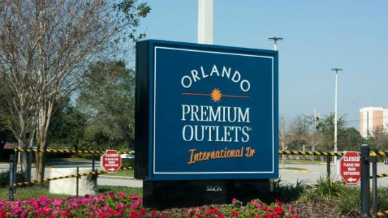 orlando-international-premium-outlet-cartel